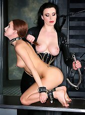 KenMarcus Sample Gallery Strict mistress plays w..